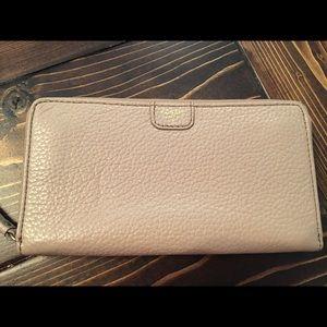 SOLD Fossil zip wallet